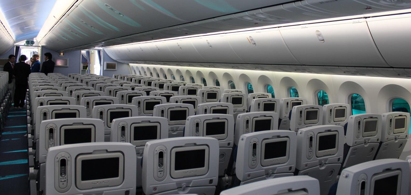 Android embarque dans les boeing 787 dreamliner geekattitude for Interieur 747